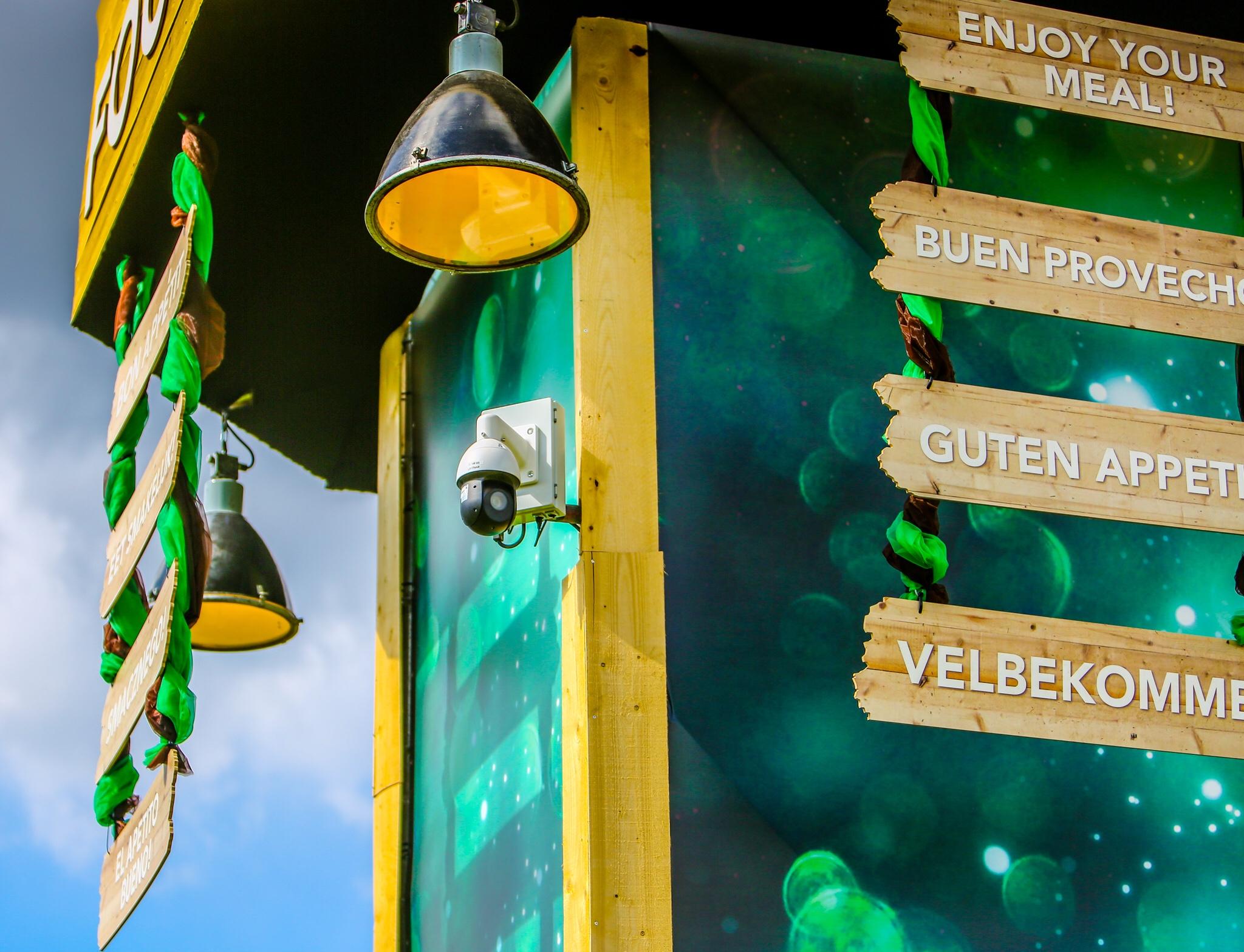 Het festivalseizoen is weer begonnen! Ook dit jaar hebben wij Rebirth festival in Haaren weer voorzien van camerabeveiliging. Gehele terrein en diverse tenten voorzien van (draadloze) full HD PTZ camera's met centrale monitoring vanuit onze mobiele commando unit! #beveiliging #Rebirth #cameratoezicht #commando unit #festival #security
