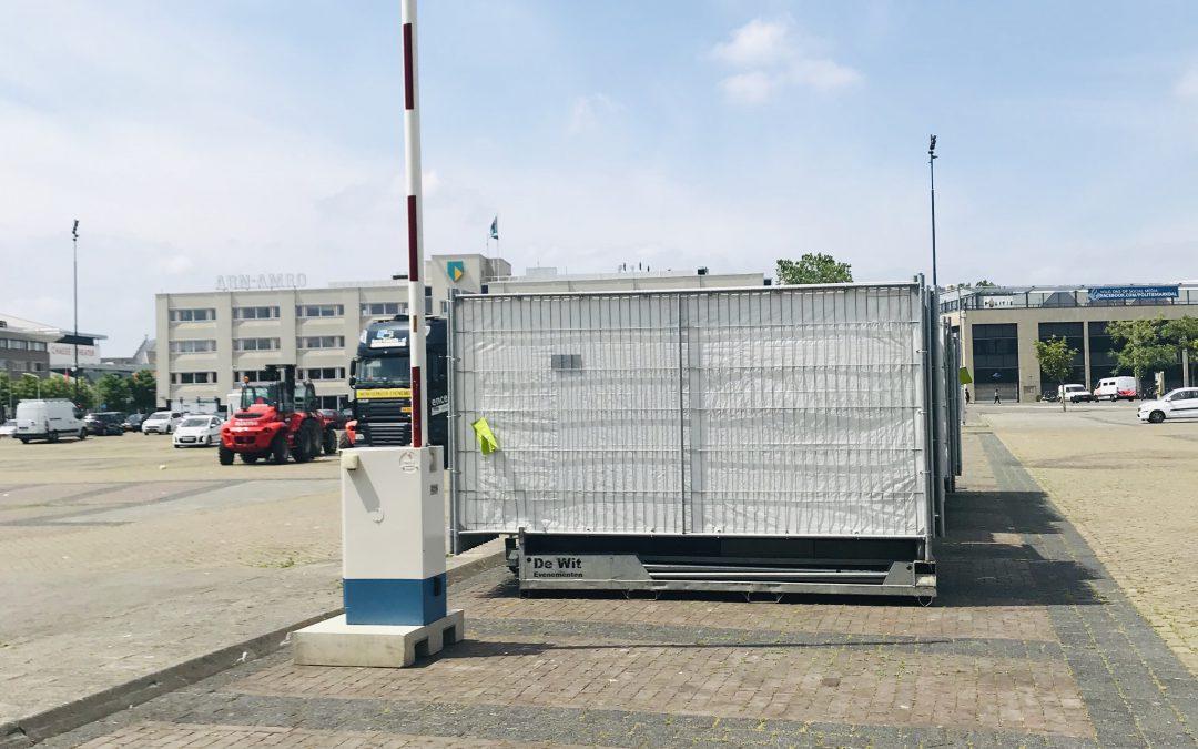 Mobiele slagboom geleverd voor afsluiten van het terrein tijdens opbouw en afbouw Breda Live! #slagboom #beveiliging #bredalive